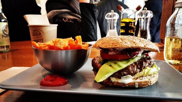 Как назвать ресторан быстрого питания - список креативных идей 950+