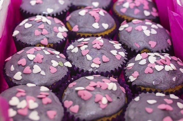 Симпатичные название пекарни-кондитерской на английском с переводом